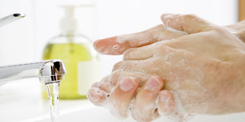 A fertőtlenítő kézmosás menete